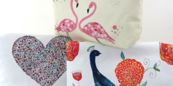 Wash/Clutch Bags & Purses