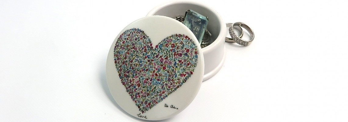 Ditsy Love Trinket Box - Kim Anderson for The Artist Collection